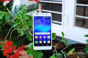 The Huawei Honor 6 is a killer smartphone for the price. Our review...